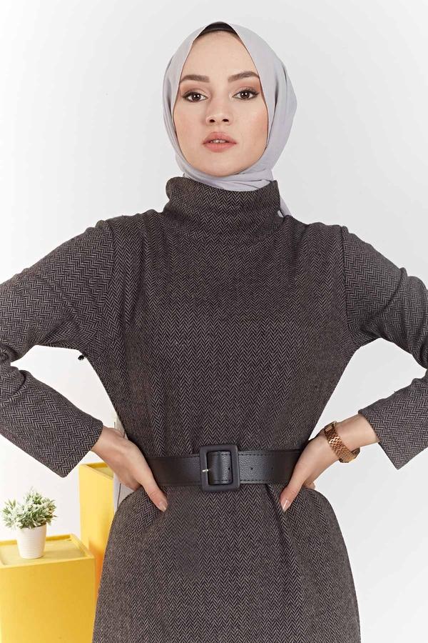 Balıkçı Yaka Balıksırtı Desenli Elbise 100MD6050 Camel