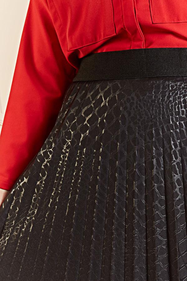 Kroko Desenli Deri Görünümlü Piliseli Etek 100MD10169 Siyah