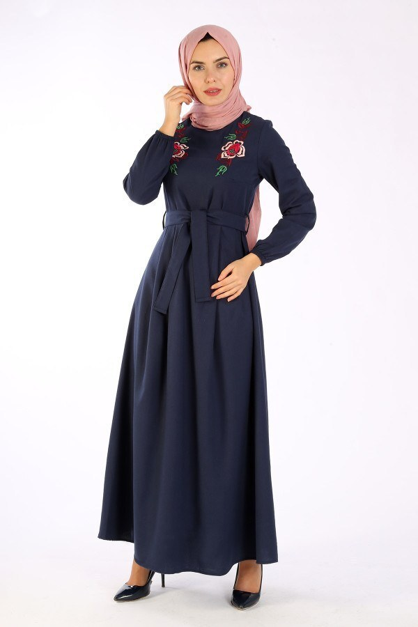 Nakış Detaylı Kuşaklı Elbise 4131-01
