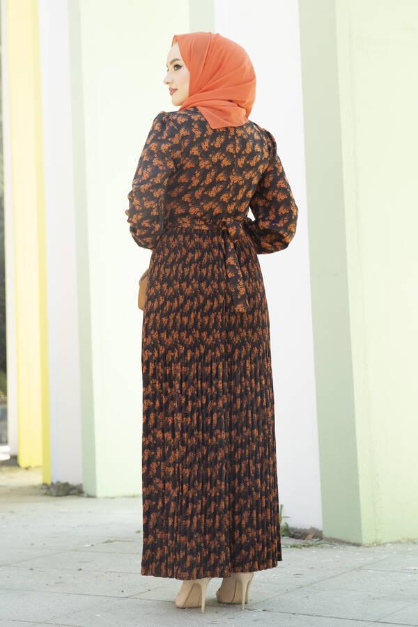 Eteği Pliseli Kuşaklı Elbise Siyah