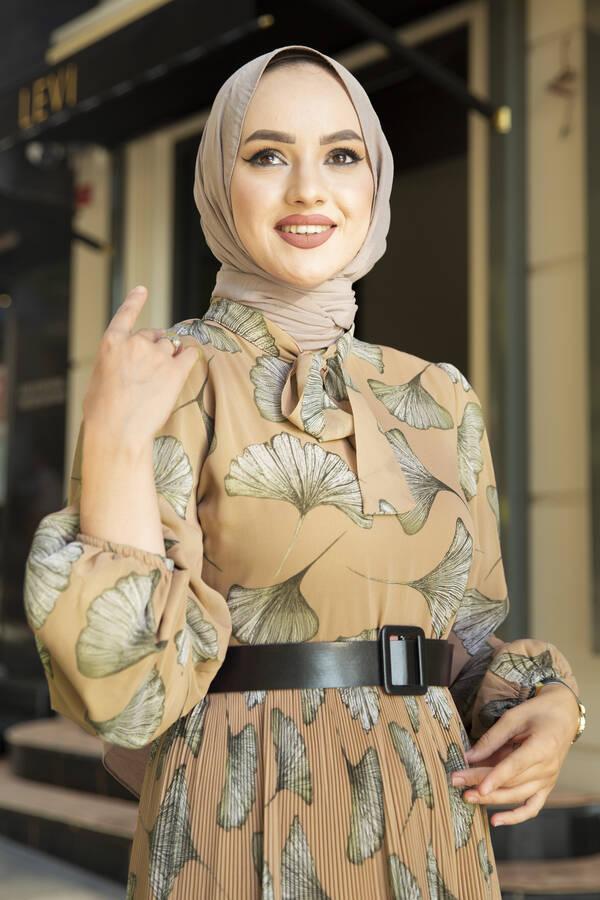 İstiridye Desenli Eteği Pliseli Elbise Camel