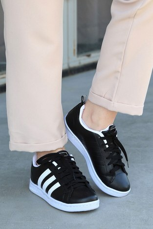 - Şeritli Siyah Spor Ayakkabı 6147-1